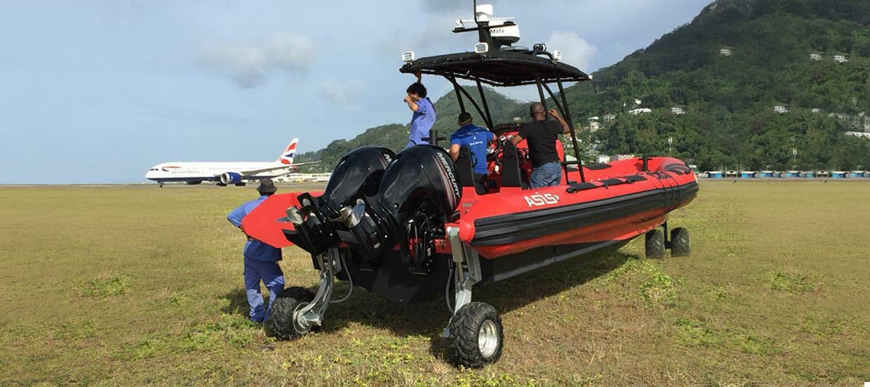 amphibious boat for airport rescue