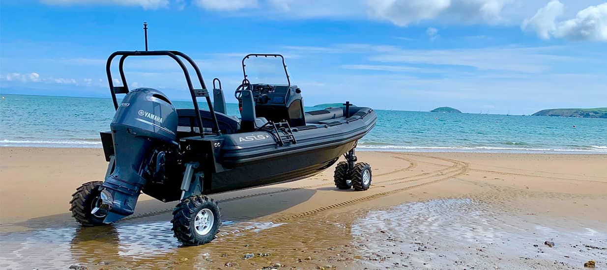 best amphibious craft 7.1m