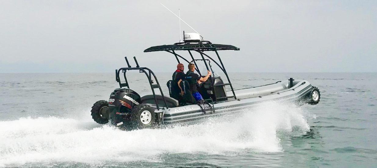 Fast-amphibious-boat-8.4m